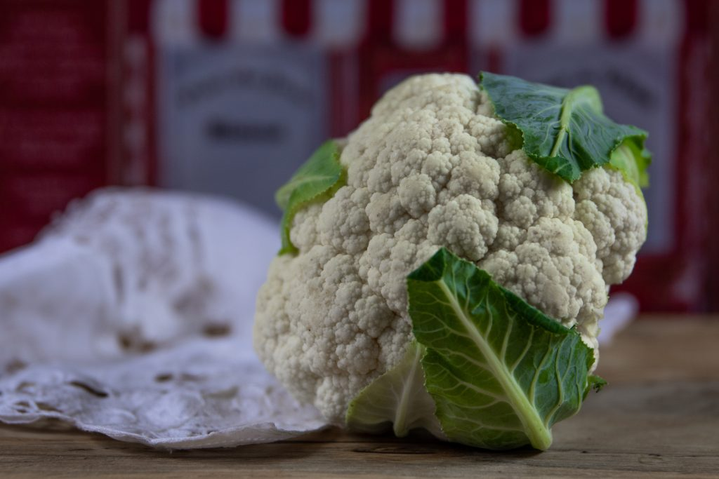 A picture of whole cauliflower as a food for guinea pigs